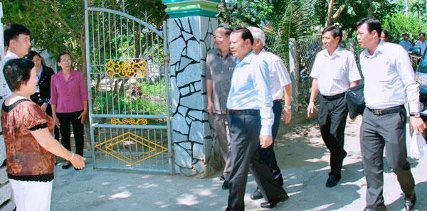 Pho Thu Tuong Den Tham Trại Rắn Mối Kiều Hoa 2
