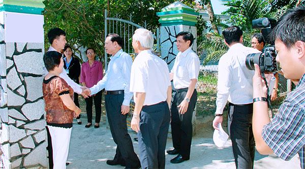 Pho Thu Tuong Den Tham Trại Rắn Mối Kiều Hoa 3